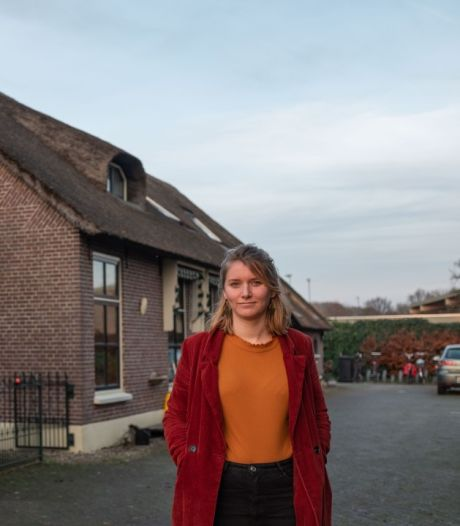 Ellen (27) kocht met vrienden een woonboerderij: 'We hebben alle scenario's vastgelegd'