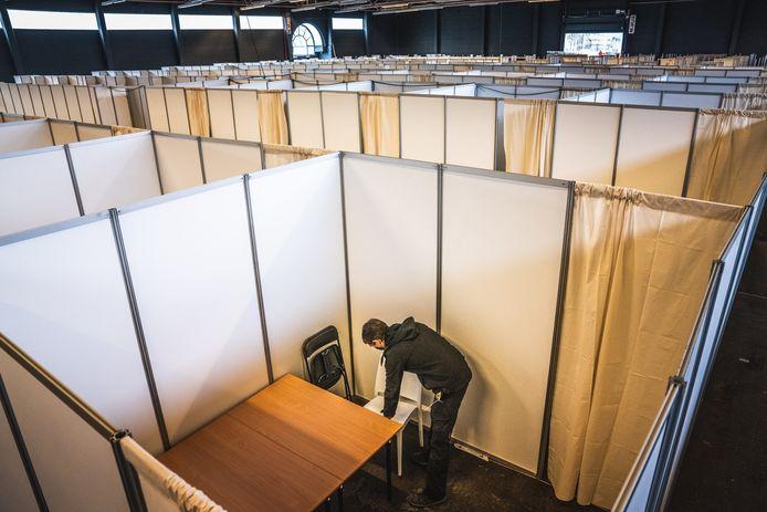 opbouw van het vaccinatiecentrum in Flanders Expo