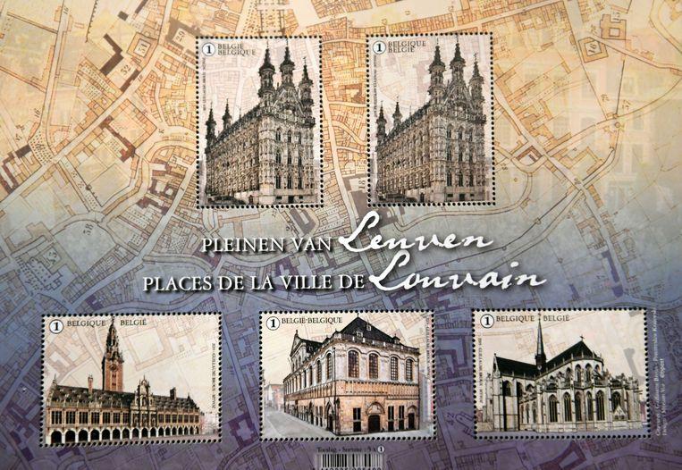 """Leuven kreeg dit jaar """"als unicum"""" vier afbeeldingen op postzegels in plaats van vijf. Het stadhuis wordt daarbij dubbel afgebeeld. Volgens kenners had bpost zich beter gehouden aan de oude formule met vijf verschillende prenten."""