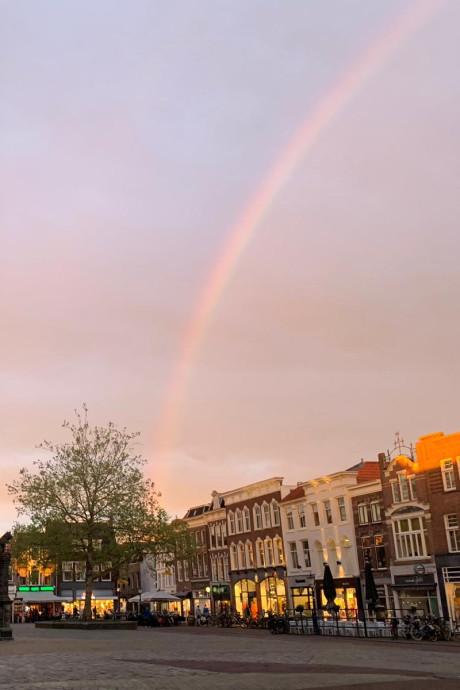 Fraaie zonsondergang in het Groene Hart, dubbele regenboog in Gouda