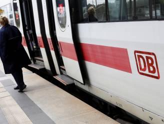 Slapende man bestolen op Duitse trein: schilderij met waarde van 25.000 euro spoorloos