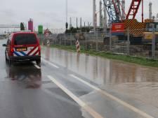 Grote waterlekkage in de Botlek gestopt: water liep het spoor op