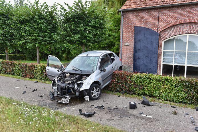 Auto belandt in tuin in Moergestel