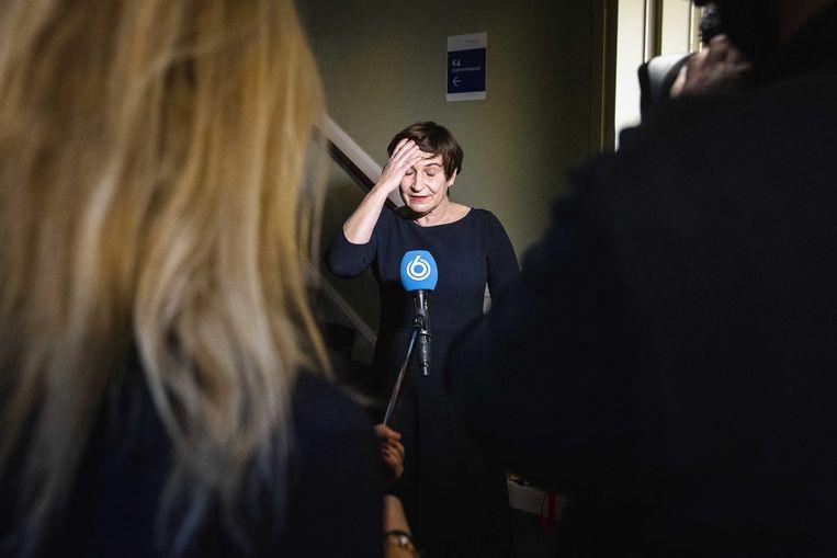 Lilianne Ploumen (PvdA) reageert in de Tweede Kamer op het vertrek van Lodewijk Asscher als lijsttrekker van de PvdA. Beeld ANP