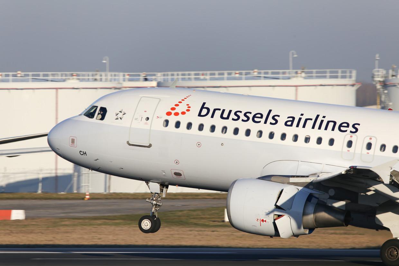 Een vliegtuig van Brussels Airlines op de luchthaven van Zaventem. Beeld Photo News