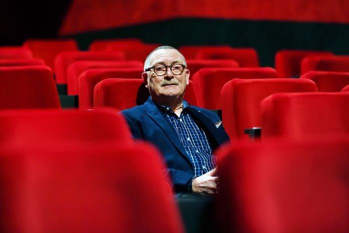 Bioscoopeigenaar Carlo Lambregts in zijn nieuwe bioscoop in Roosendaal die eigenlijk nog niet open is geweest.