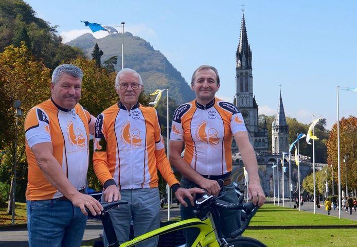 Jan Adriaenssen, Nest De Vries en Boudewijn Geentjens starten zaterdagochtend hun fietstrip richting Lourdes