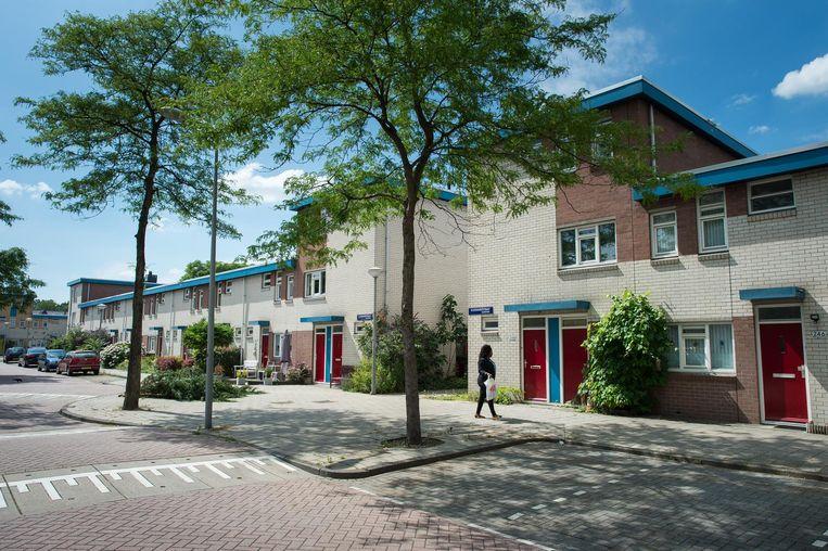 De Kloekhorststraat in Zuidoost, waar vanaf begin 2015 Satudarah een woning gebruikte als verzamelplaats. Beeld Mats van Soolingen