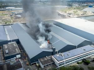 Grote brand op bedrijventerrein in Utrecht onder controle