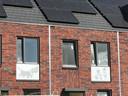 Dat Fiep Westendorp uit Zaltbommel komt, is op steeds meer plaatsen in de stad te zien. Deze nieuwbouwhuizen aan de Jip en Jannekelaan krijgen allemaal een afbeelding van Fiep op de gevel.