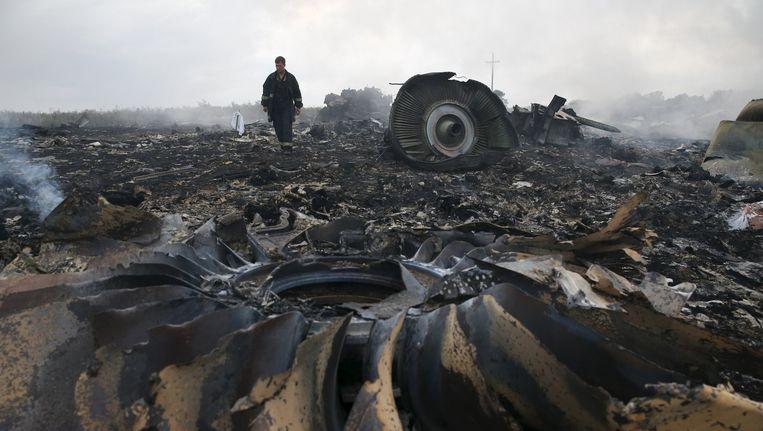 Wrakstukken van de MH17 op 17 juli 2014. Beeld reuters