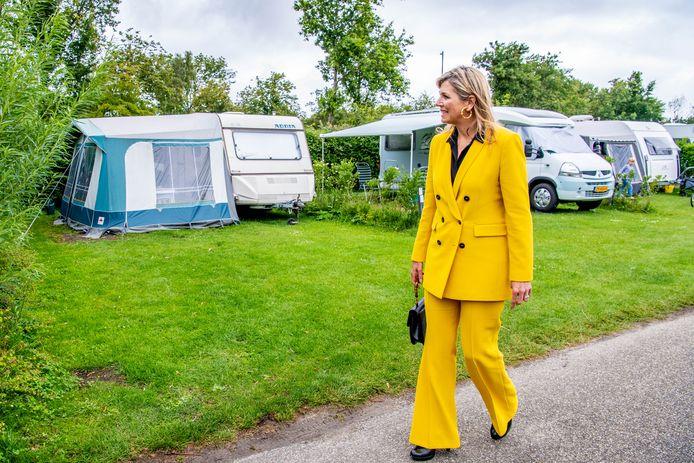 Koningin Maxima tijdens een onaangekondigd werkbezoek aan de toeristische sector in de provincie Zeeland.