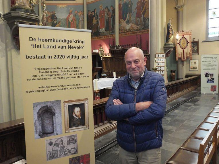 André Bollaert in de kerk van Poesele.