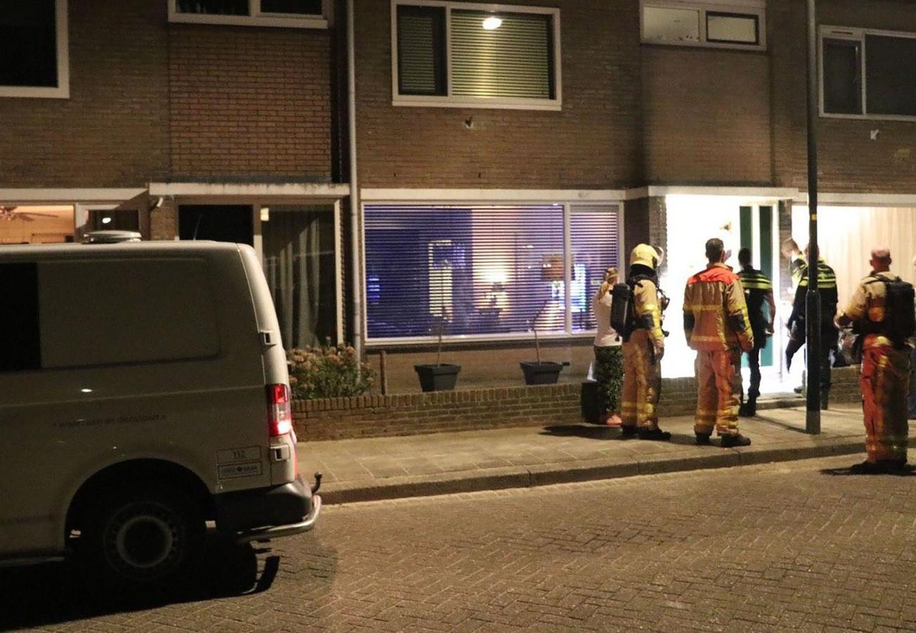 Onderzoek aan de Bariumstraat in Apeldoorn op 11 april.