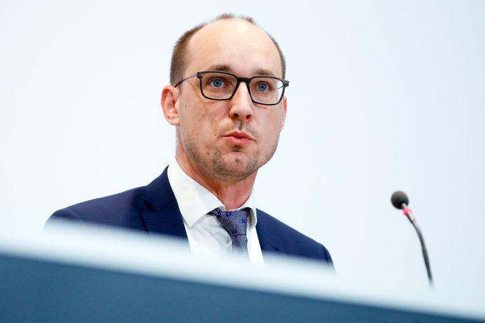 Minister van Financiën Vincent Van Peteghem (CD&V) belooft de komende weken met een oplossing te komen.