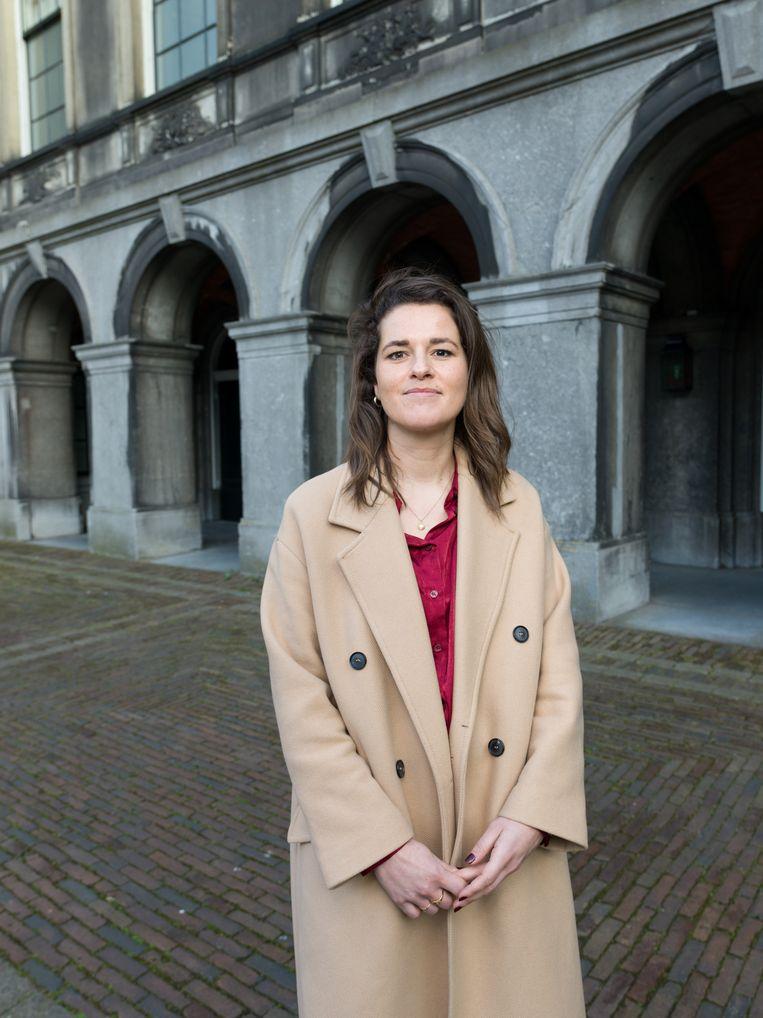 Marieke Smits: 'Er is veel doorloop onder Kamerleden. Daardoor hebben woordvoerders vaak meer ervaring − Kamerleden vragen hén wat ze moeten doen.' Beeld Ivo van der Bent