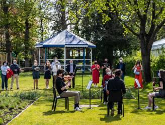 Leerlingen academie zorgen voor muzikaal troostmoment voor coronaslachtoffers