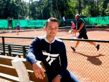 Roan Valk verkiest trainen van Apeldoorns tennistalent boven eigen geluk