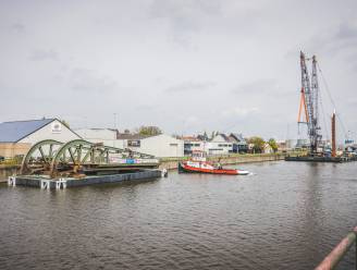 Herbosch-Kiere (Kallo) herenigt brugdelen in Gents havengebied: hijswerk uitgesteld door hevige wind