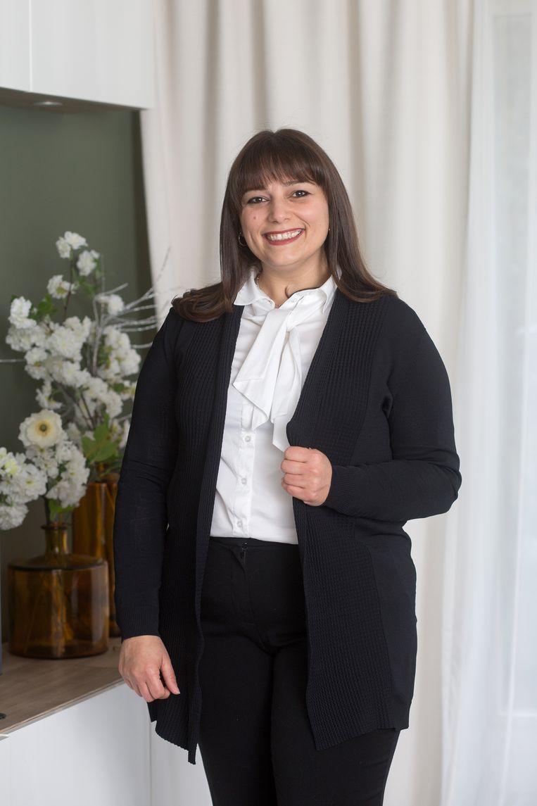 Soha Shat uit Gaza mag deze verkiezingen voor het eerst stemmen, ze stemt op D66.  Beeld Maartje Geels