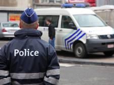 La police demande à deux rabatteurs de drogues de s'en aller, ils refusent