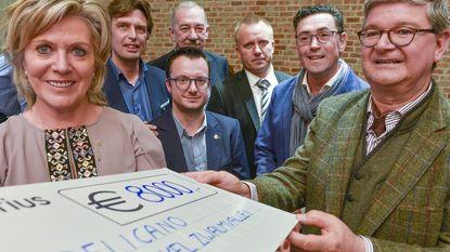 Rotary Club Brakel-Zwalmvallei schenkt 8.000 euro aan Pelicano