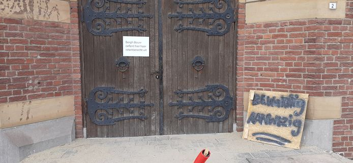 Bergh Bouw heeft van dinsdag tot donderdagmiddag de deur van de Petrus en Paulusappartementen op slot gedaan.