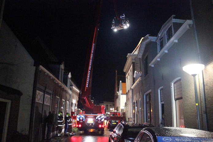 3e5b85b5272 Brand in schoorsteen van monumentaal pand in Doesburg trekt veel ...