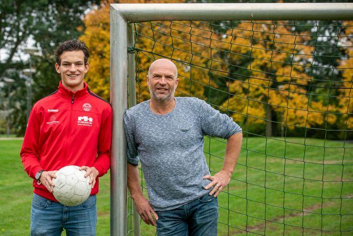 Peter Geurts (r) met zoon Luc.