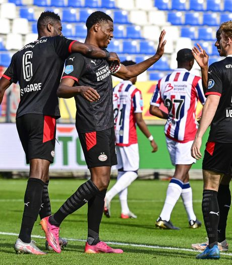 PSV neemt tweede plaats AZ over na simpele zege op Willem II