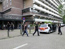Politie rukt groots uit om verwarde man op te pakken in flat Prinses Beatrixlaan