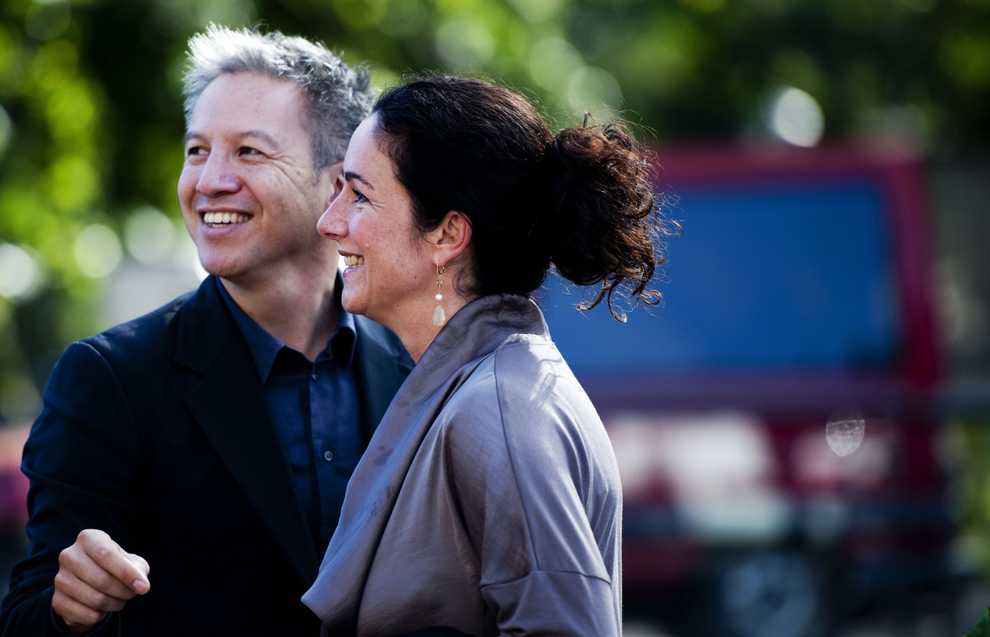 Femke Halsema (R) met haar partner, regisseur Robert Oey in 2010.