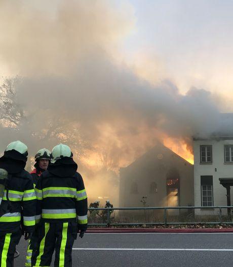 Acht jongens verdacht van veroorzaken brand in monumentale villa in Boxtel