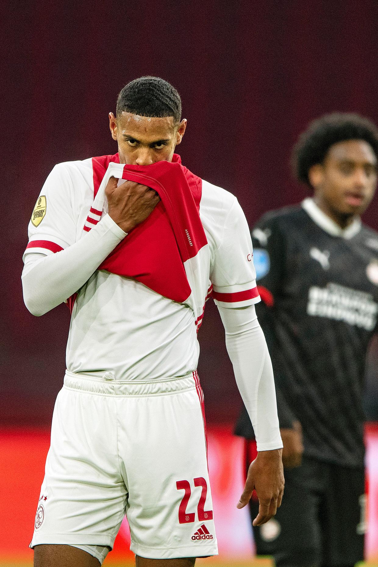 Sébastien Haller wist zijn gezicht na Ajax - PSV, waarin hij twee keer scoorde. Beeld Guus Dubbelman / de Volkskrant