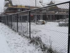 Landerd plaatst illegaal hek in Akkerwinde in Schaijk