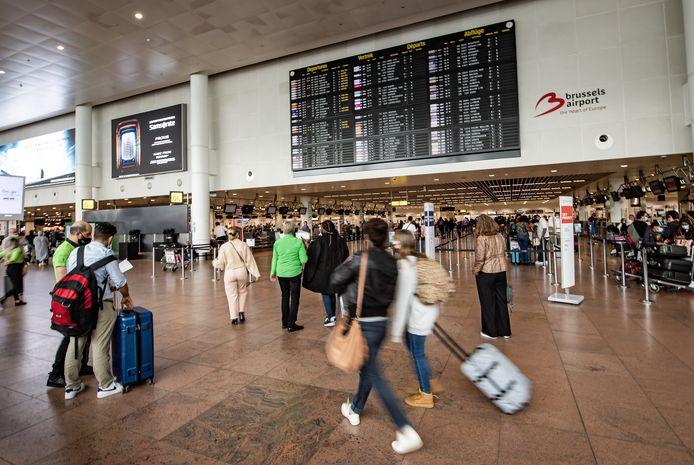 Groen, oranje of rood: wat de kleurencode van de reisbestemming ook is, de gemiddelde Belgische reiziger laat er zich nauwelijks door beïnvloeden.
