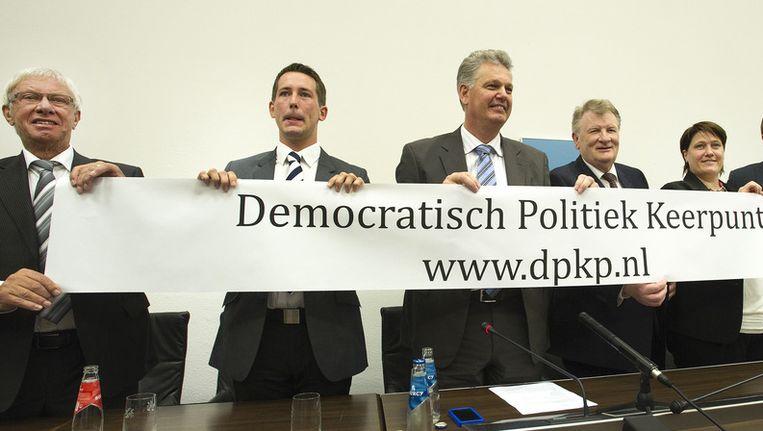 (VLNR) Rudy Reker, Ben Groos, lijsttrekker Hero Brinkman, Theo Reijne en Mariska van Wijnen tijdens de presentatie van de nieuwe partij het Democratisch Politiek Keerpunt (DPK). Beeld ANP