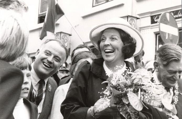 Koningin Beatrix, een jaar eerder in Amsterdam gekroond, bezocht in 1981 Breda. Die dag werden er 148 jongeren preventief vast gezet. foto Cor Viveen