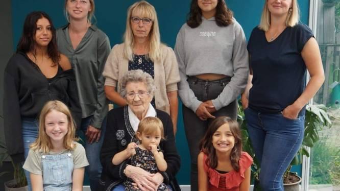 Marie-Louise viert 90ste verjaardag en vijf viergeslachten