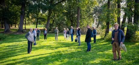 Verzet van buurt tegen kappen bomen park Daalhuizen in Velp succesvol: helft minder bomen weggehaald