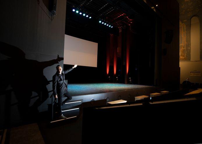 Speelhuis-directeur Jochem Otten is blij dat het binnenkort weer echt gaat beginnen in zijn theater.