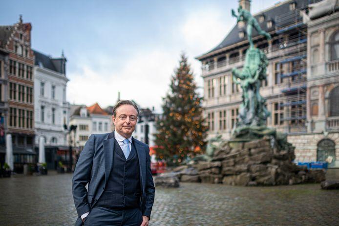 Bart De Wever mag maandag een spervuur van vragen van de oppositie verwachten in het PFOS-dossier.