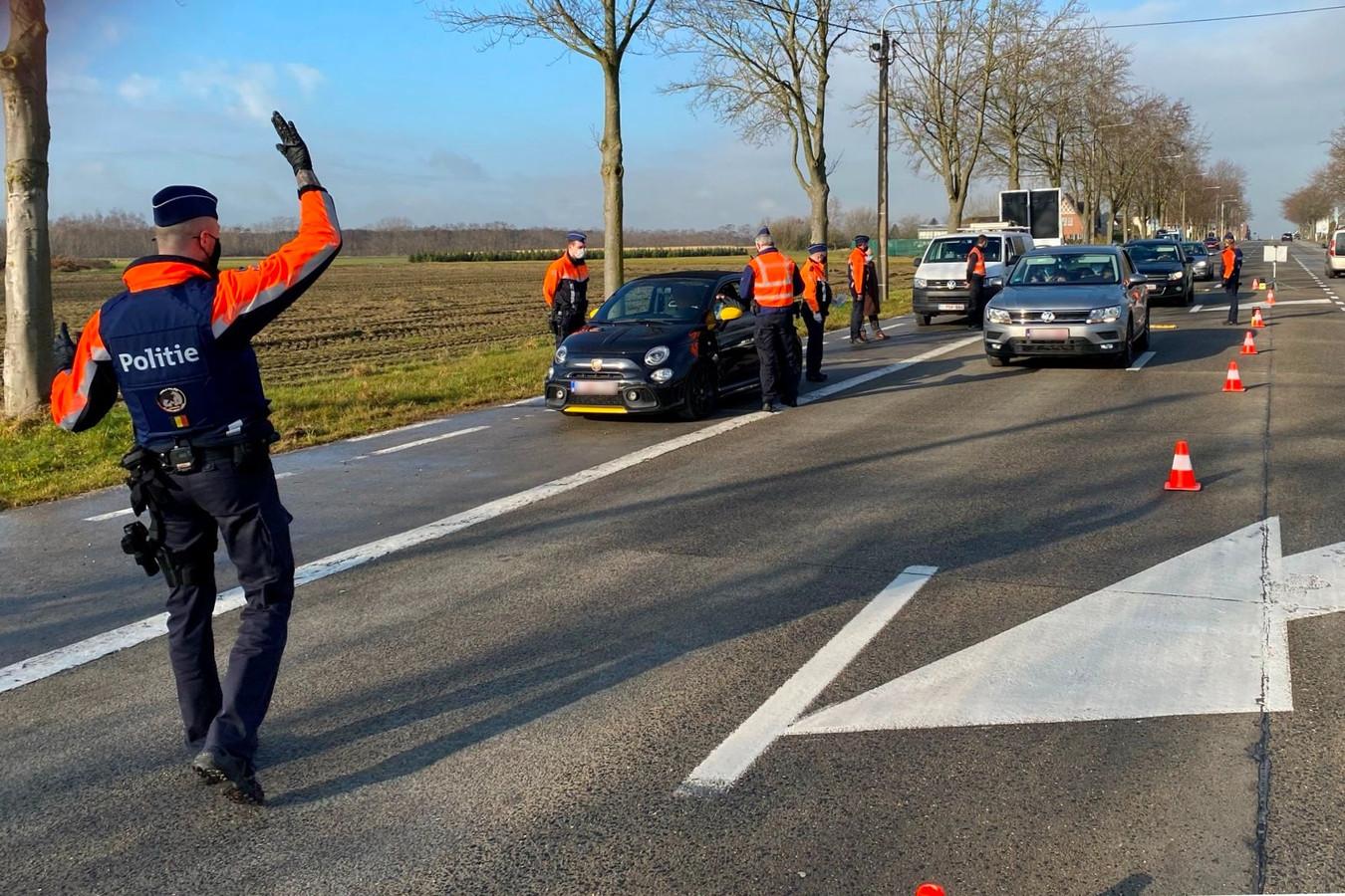 Agenten van de politiezone Erpe-Mere/Lede controleerden heel wat voertuigen tijdens de verkeersveilige dag.