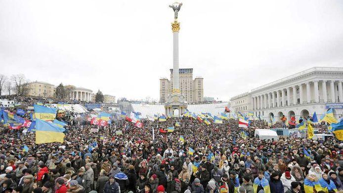 Het Onafhankelijkheidsplein in Kiev staat nu nog vol met demonstranten. Als het aan het stadsbestuur ligt, maken die plaats voor een ijsbaan.