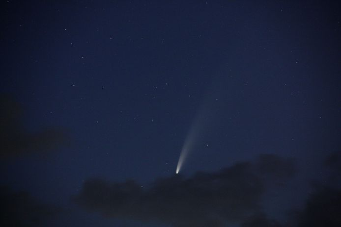 Komeet NEOWISE, gefotografeerd vanuit Veere.