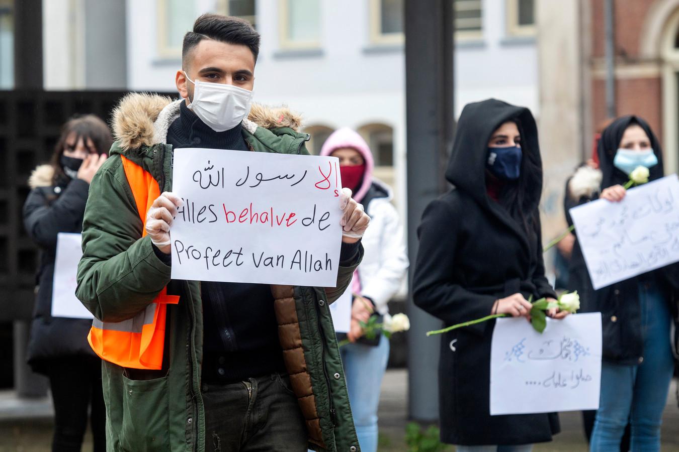 Demonstranten op het Gele Rijdersplein