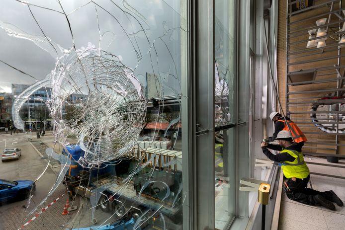Naast een werkstraf werd een relschopper uit Nuenen ook veroordeeld tot het meebetalen aan de schade aan het Eindhovense station.