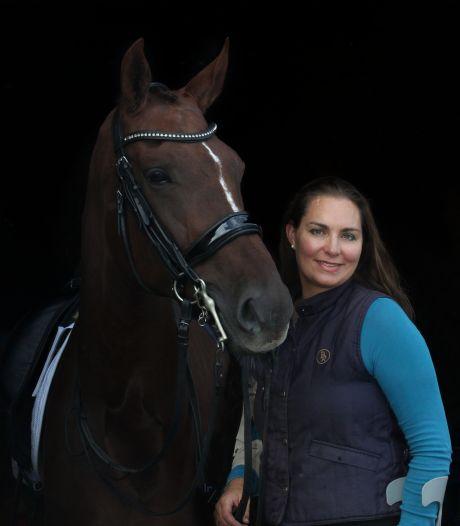 Hulp uit bijzondere hoek: paardenslager helpt amazone Baaijens-Van de Vrie richting Doha