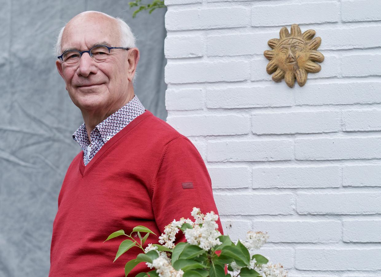 Volgens CDA-coryfee Bert de Vries is het europroject mislukt, en moeten we terug naar de gulden.