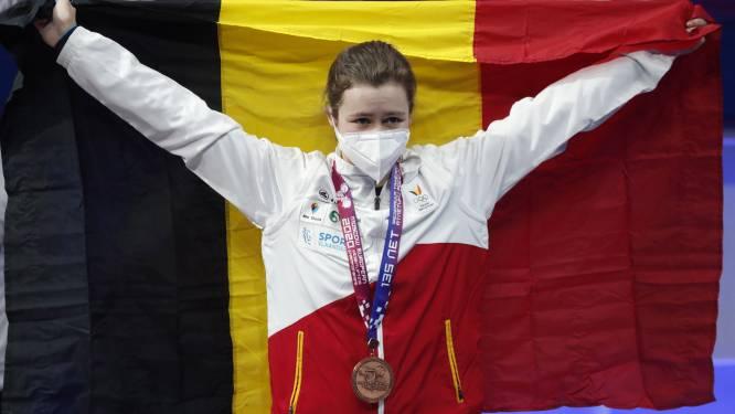 Nina Sterckx verovert brons op EK gewichtheffen